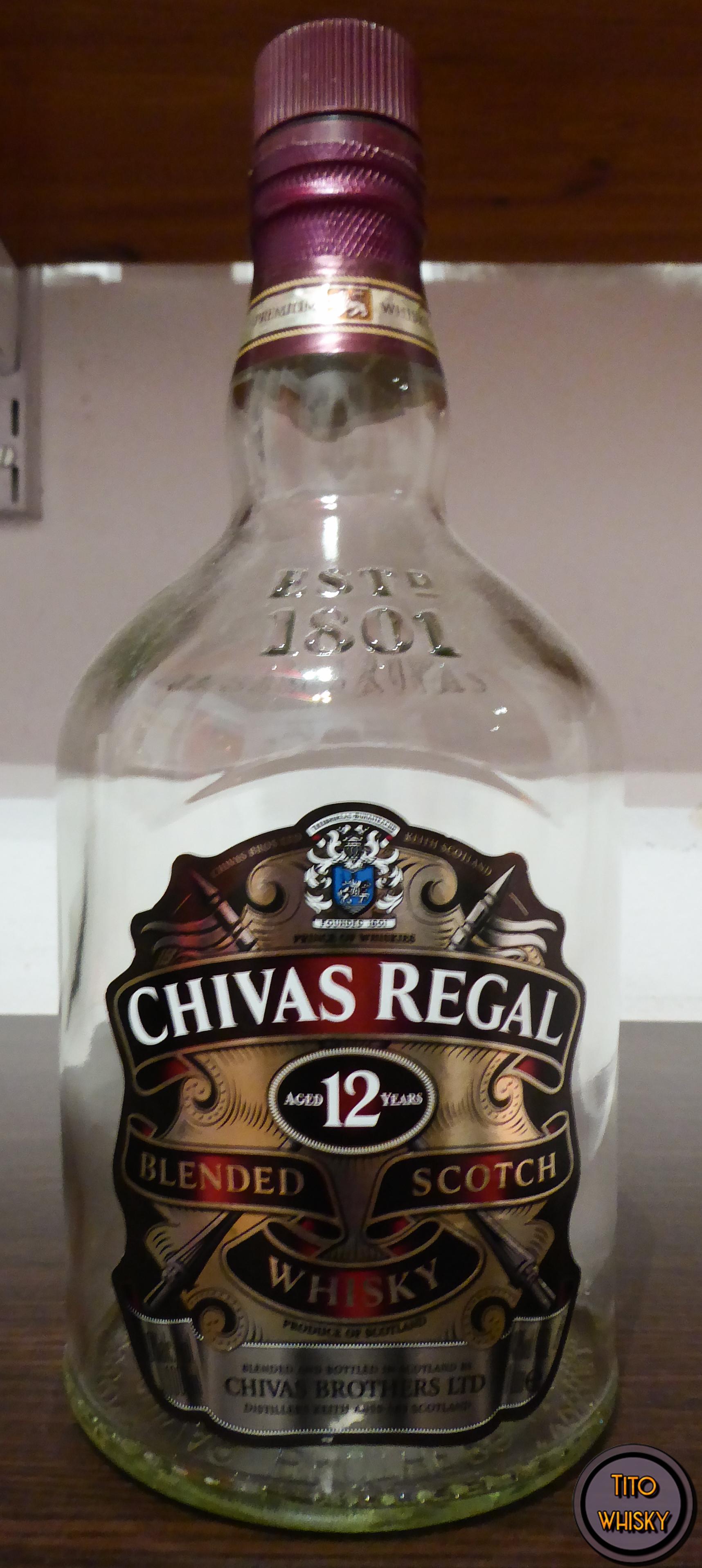 Botella vacía de Chivas Regal 12 años